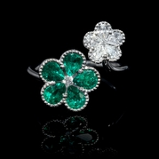Diamond and Emerald Antique Style 18k White Gold Floral Ring
