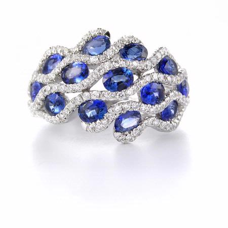 Diamond & Blue Sapphire 18k White Gold Ring