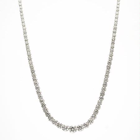 Diamond 18k White Gold Graduated Tennis Necklace