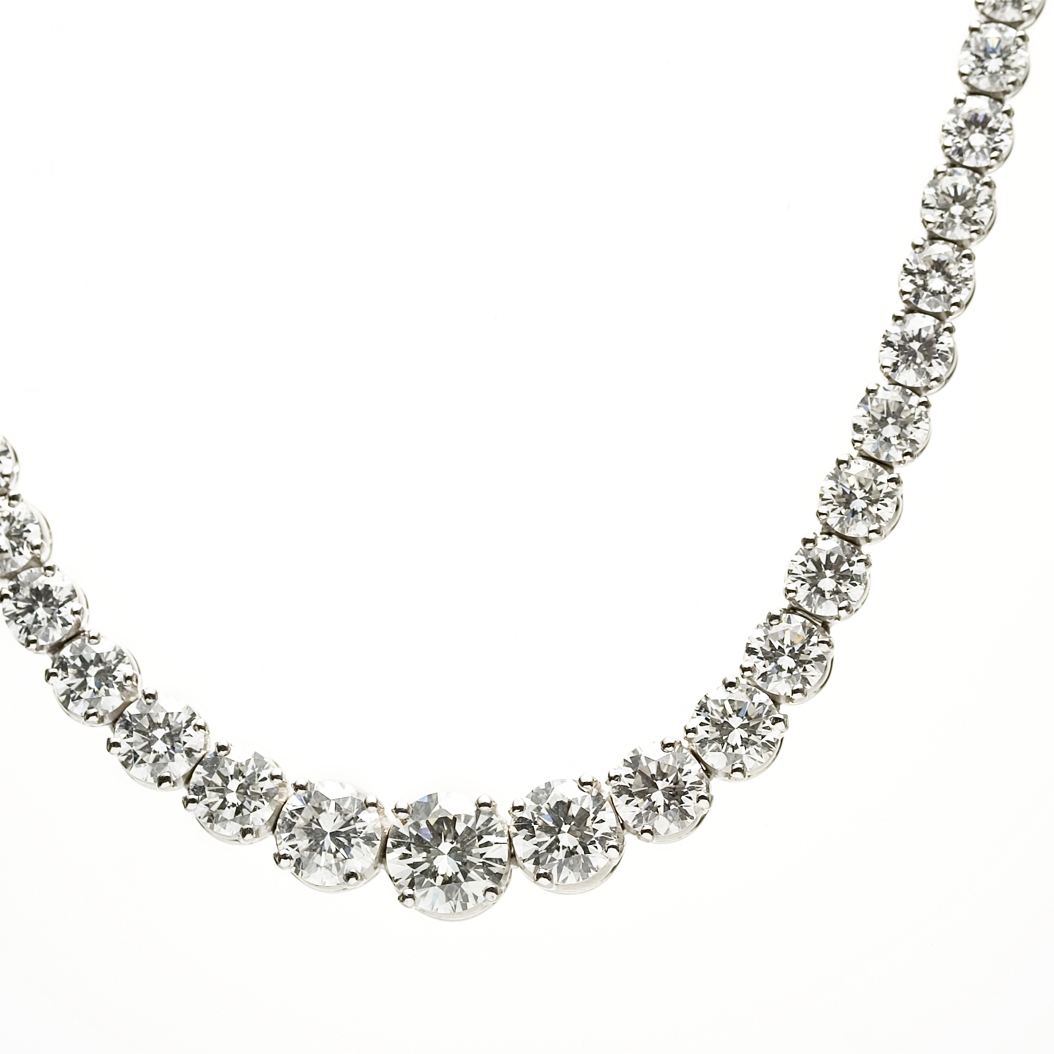 20 01ct Diamond 18k White Gold Graduated Tennis Necklace