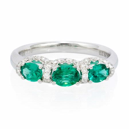Diamond and Emerald 18k White Gold Ring