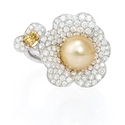 Diamond and Pearl 18k White Gold Ring
