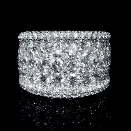 5 28ct 18k white gold wide band ring