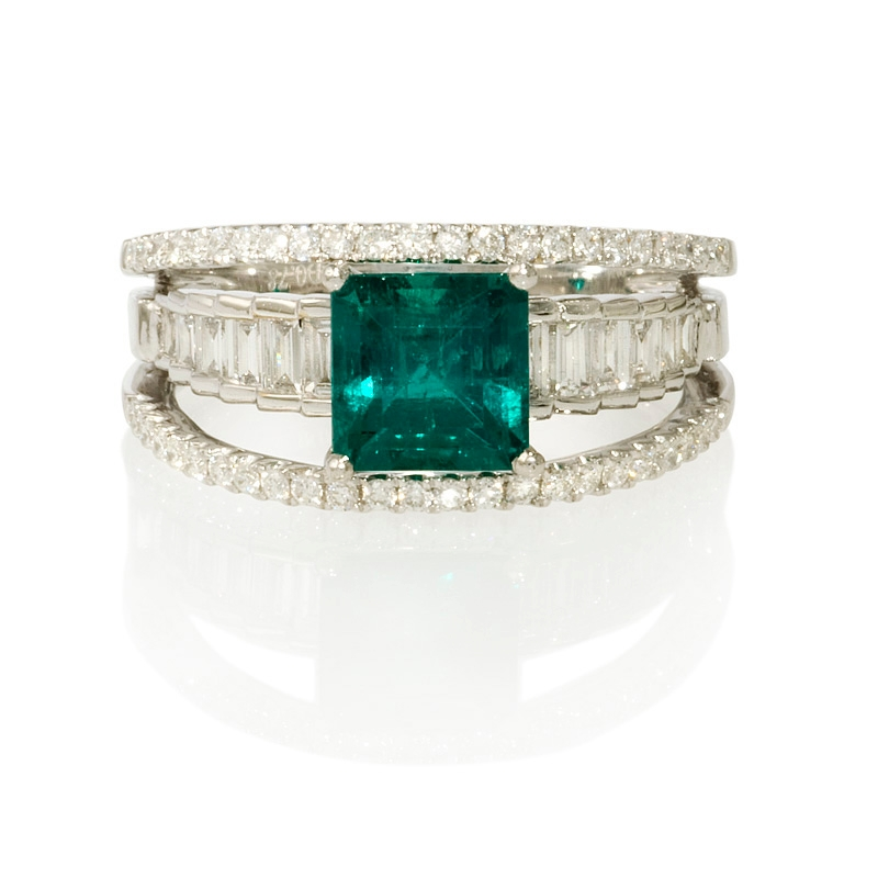 78ct and emerald 18k white gold ring
