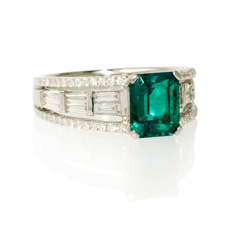 57ct and emerald 18k white gold ring