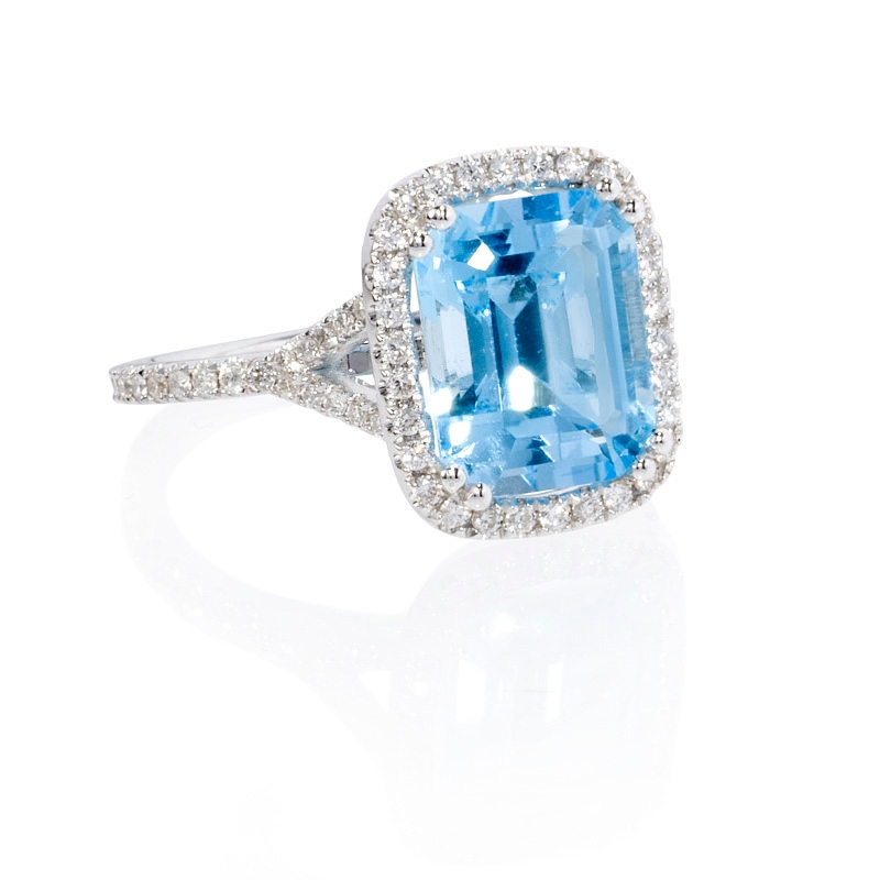 39ct and blue topaz 18k white gold ring