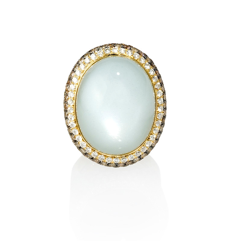 5 21ct and moonstone 18k yellow gold ring