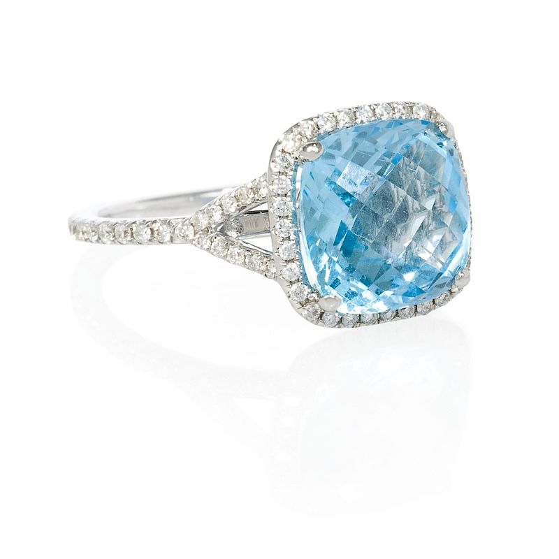 38ct and blue topaz 18k white gold ring