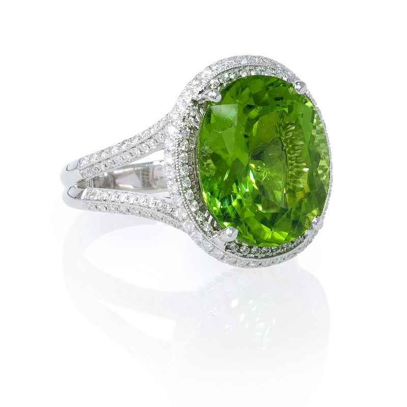 56ct and peridot antique style 18k white gold ring