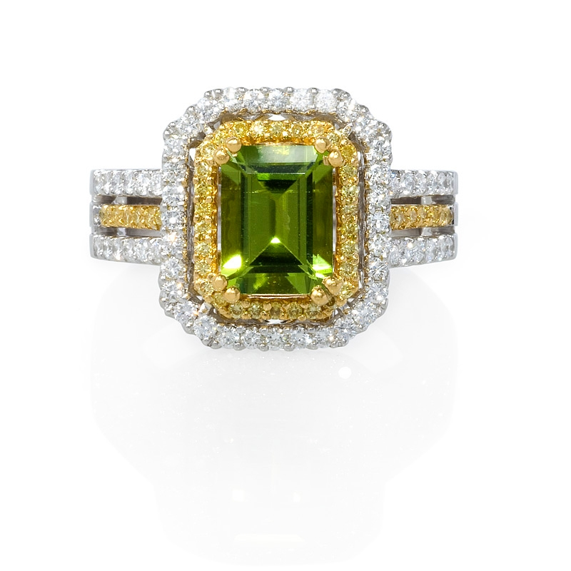 66ct and peridot 22k yellow gold and 18k white