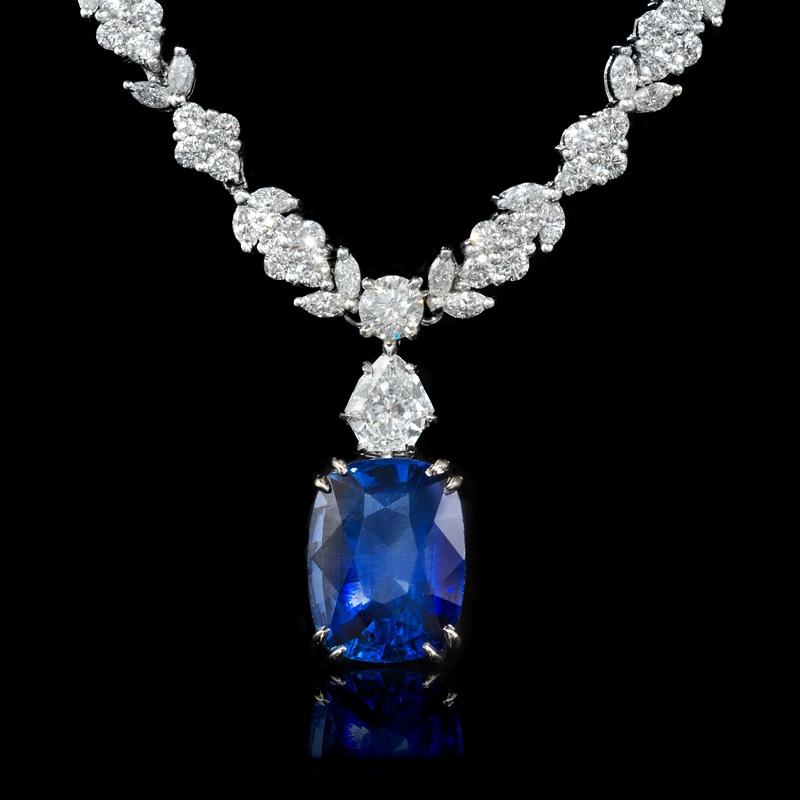 15 02ct Diamond And Blue Sapphire Platinum Necklace