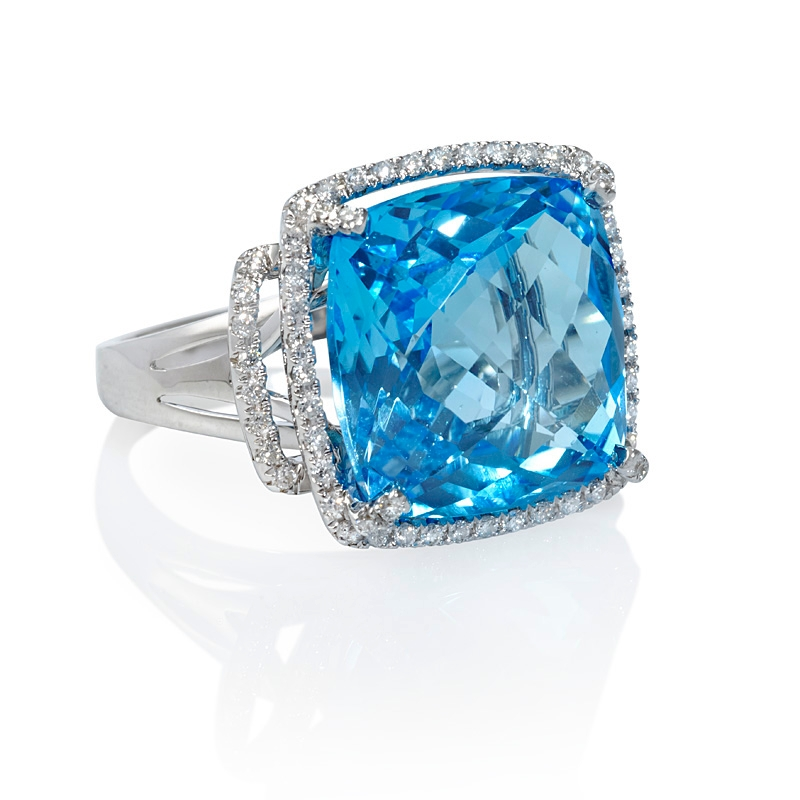 34ct and blue topaz 18k white gold ring