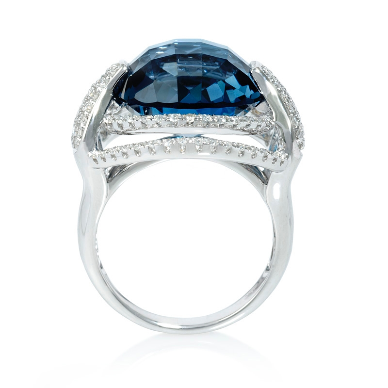 91ct and blue topaz 18k white gold ring