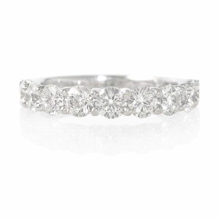 Diamond 18k White Gold Round Brillinat Cut and Shared Prong Wedding Band Ring
