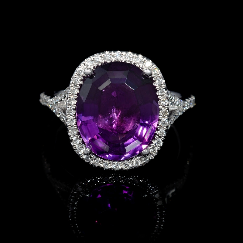 33ct and purple amethyst 18k white gold ring