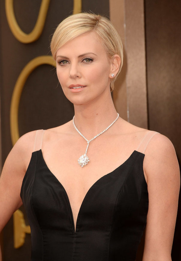Charlize Theron diamond necklace at Oscars 2014