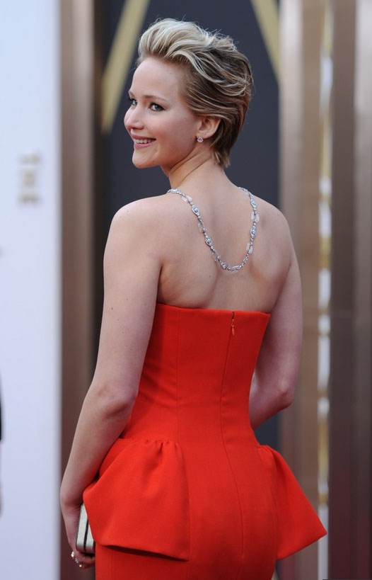 Jennifer Lawrence diamond necklace at Oscars 2014