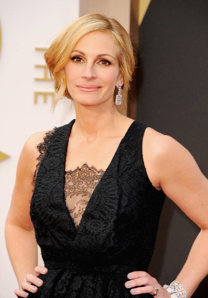 Julia Roberts diamond earrings at Oscars 2014