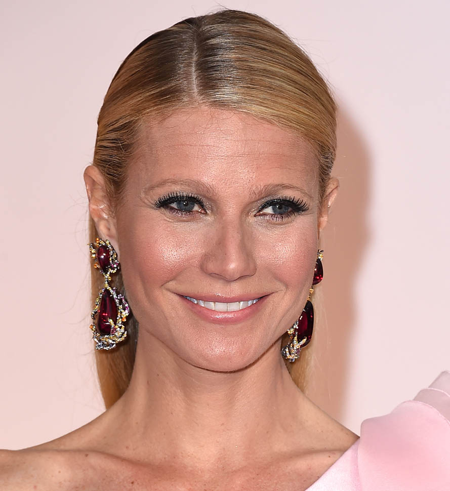 Gwenyth Paltrow Oscars 2015 earrings