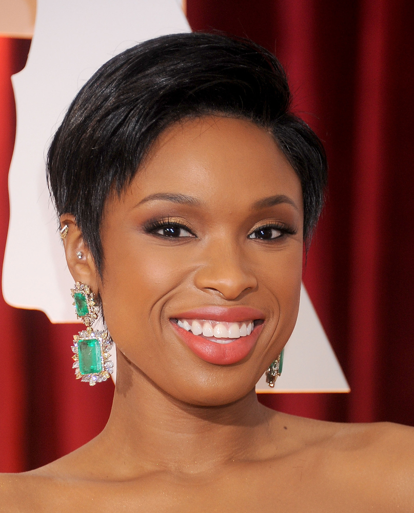 Jennifer Hudson Oscars 2015 earrings