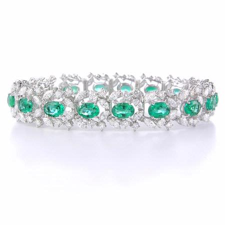 8.61ct Diamond and Emerald 18k White Gold Bracelet