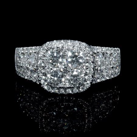Diamond 18k White Gold Round Brilliant Cluster Halo Ring